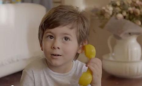 Turkcell Superonline Reklam�'nda oyuncumuz Demir Demirba� rol ald�.