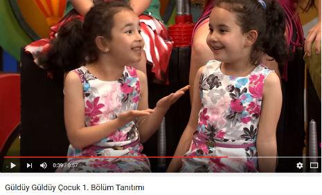 Show Tv'de yay�nlanan G�ld�y G�ld�y Show'da �ocuk oyuncular�m�z �kra K�lahl�o�lu, �lknur K�lahl�o�lu rol almaktad�r.