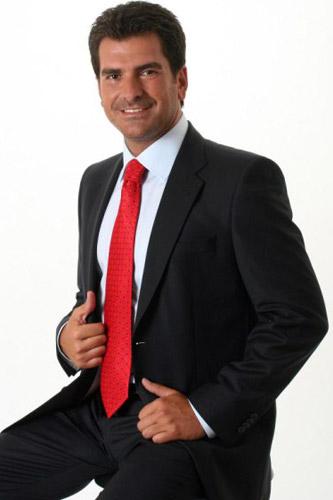 Sabah Gazetesi eklerinin Tv Reklamý'nda oyuncularýmýz Volkan Karahasanoðlu, Murat Sezal ve Erdoðan Tutkun rol aldý. - IMC AJANS