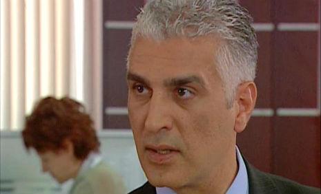 Yaprak Dökümü Tv Dizisi'nde, oyuncumuz Bülent Fil , iþ adamý Yaman rolünde...  - IMC AJANS