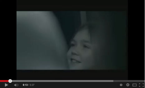 Sanatçý Ferhat Göçer'in video klibinde, oyuncumuz Miraslava Mira Akay, rol aldý.  - IMC AJANS