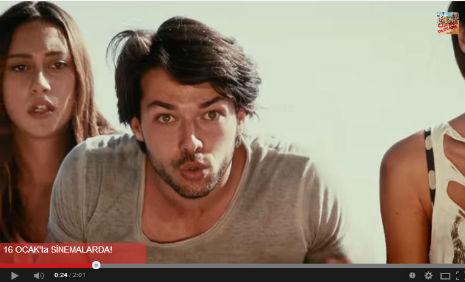 Çýlgýn Dershane 4 Ada Sinema Filmi'nde oyuncumuz Deniz Akcan rol aldý. - IMC AJANS