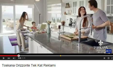 Toskana Evleri Orizzonte Reklamý'nda oyuncumuz Doruk Sarýsakal rol aldý.   - IMC AJANS