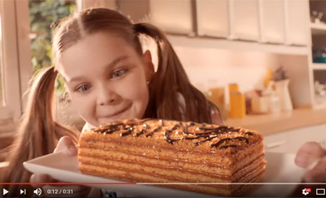 Eti Pastamia Reklam Filminde Oyuncumuz Ýdil Mutlu Rol Aldý - IMC AJANS