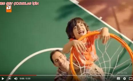 Eti Petito Ayýcýk Reklamýnda Çocuk Oyuncumuz Emiralp Kaya Rol Aldý - IMC AJANS