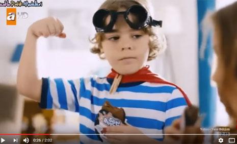 Eti Kakaolu Süt Burger Reklamýnda Çocuk Oyuncumuz Batuhan Davutoðlu Yer Aldý - IMC AJANS
