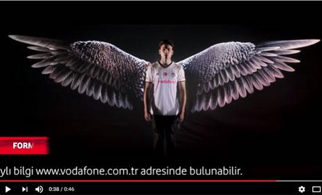 Vodafone Beþiktaþ Taraftar Forma Reklamý'nda Oyuncumuz Atakan Hoþgören Rol Aldý - IMC AJANS