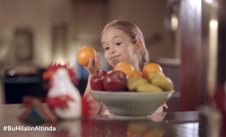 Kýzýlay Reklam Filminde Çocuk Oyuncumuz Mihrimah Cankur Rol Aldý - IMC AJANS
