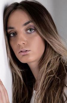 Bayan Manken - Vojana Colic