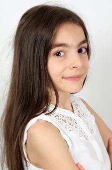9 Yaþ Kýz Çocuk Manken - Esma Tüylü