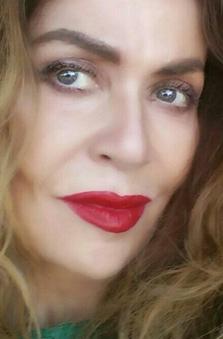 Bayan Oyuncu - Gül Erda
