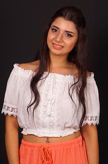 15 - 19 Yaþ Bayan Oyuncu - Anýta  Farshýakbarýyeh