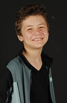 11 Yaþ Erkek Çocuk Oyuncu - Efe Konya