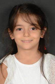 Bayan Oyuncu - Zeynep Karaaslan