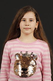 9 Yaþ Kýz Çocuk Cast - Irmak Valeriya Dinamit