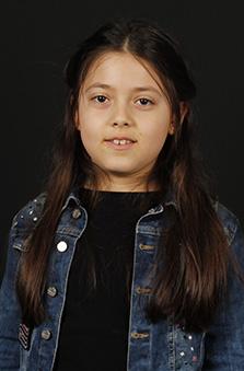 8 Yaþ Kýz Çocuk Oyuncu - Arya Yamakoðlu