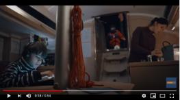 Projelerdeki Oyuncularýmýz - Teknosa Reklamýnda Baþarýlý Oyuncularýmýz Bülent Þahin ve Ada Nizamoðlu Yer Aldý